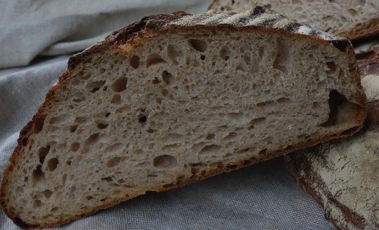 Weizensauerteigbrot Tartine Style - der heimbäcker - brot ...  Weizensauerteig...